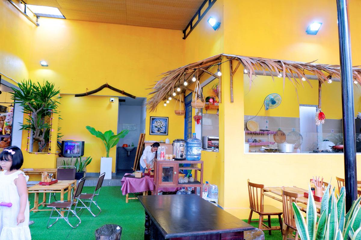 Quan-Cafe-143-Ly-Nhan-Tong-Setup-Boi-Mayaca-Team 11