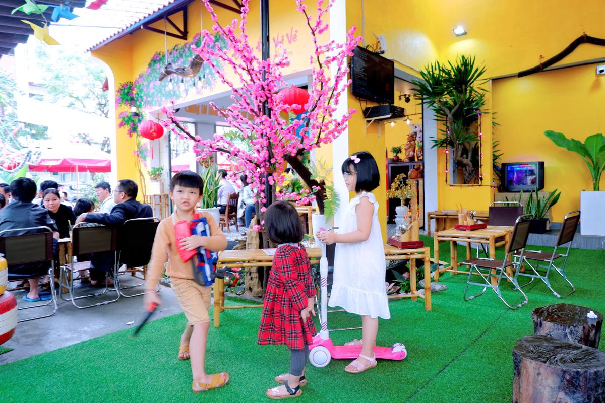 Quan-Cafe-143-Ly-Nhan-Tong-Setup-Boi-Mayaca-Team 12