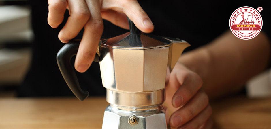 binh-pha-cafe-bialetti-moka-3-tach-4