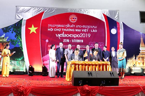 hoi-cho-viet-lao-expo-2019