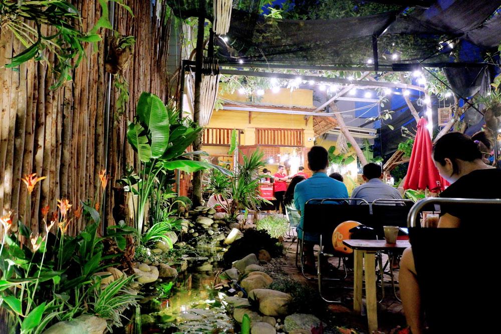 Mayaca-Garden-Cafe-131-Pham-Nhu-Tang 1