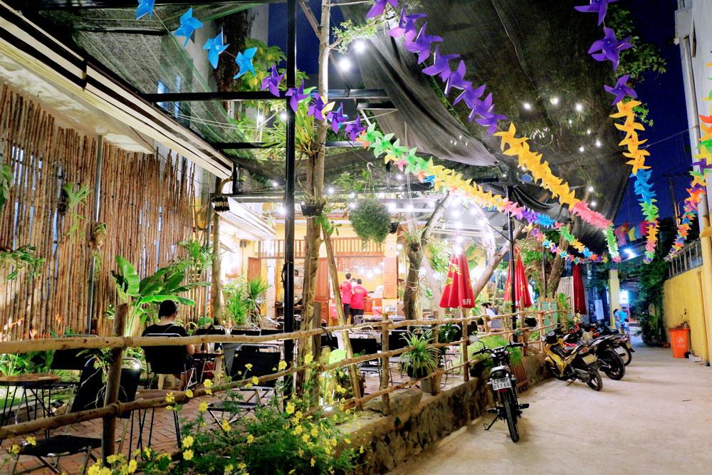 Mayaca-Garden-Cafe-131-Pham-Nhu-Tang 13