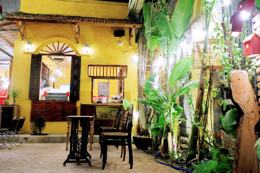 Mayaca-Garden-Cafe-131-Pham-Nhu-Tang 15
