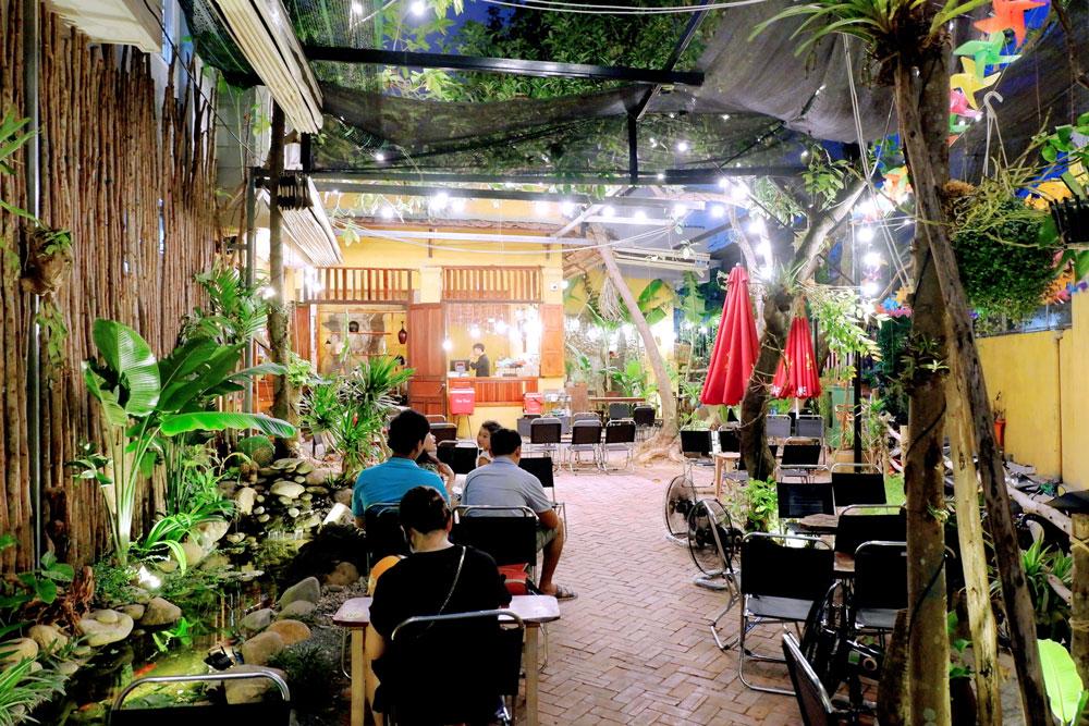 Mayaca-Garden-Cafe-131-Pham-Nhu-Tang 2