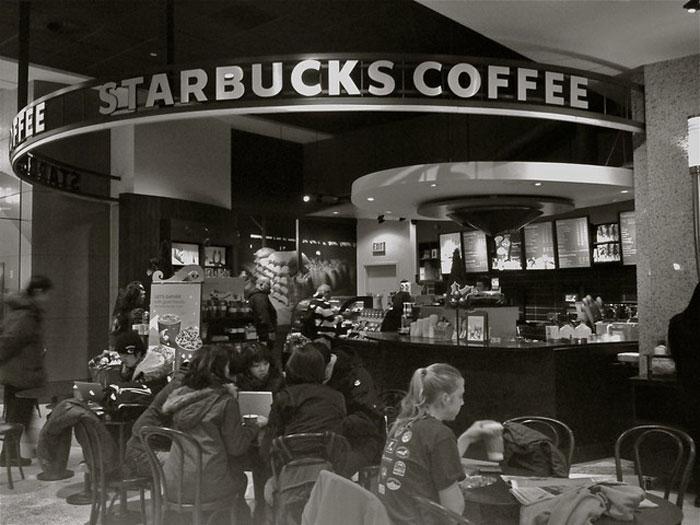 lan-song-cafe-thu-hai-Starbucks-coffee