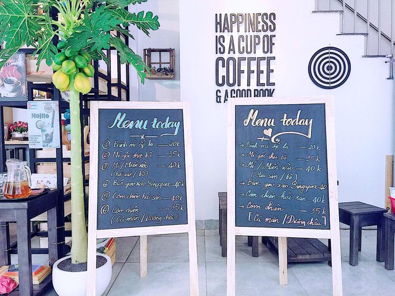 mau-thiet-ke-theo-kieu-bang-phan-mayacacoffee