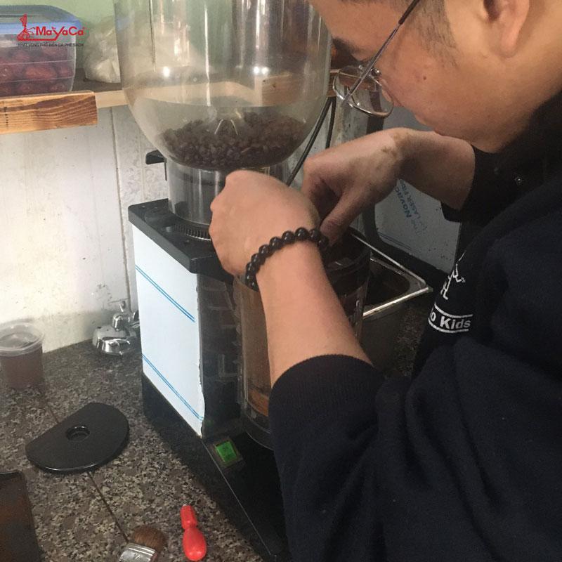 thay-lo-xo-may-xay-cunill-mayacacoffee-2