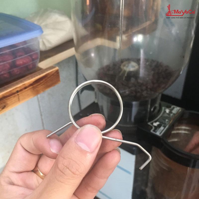 thay-lo-xo-may-xay-cunill-mayacacoffee-3