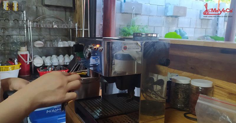 thay-ron-may-pha-ca-phe-lelit-mayacacoffee