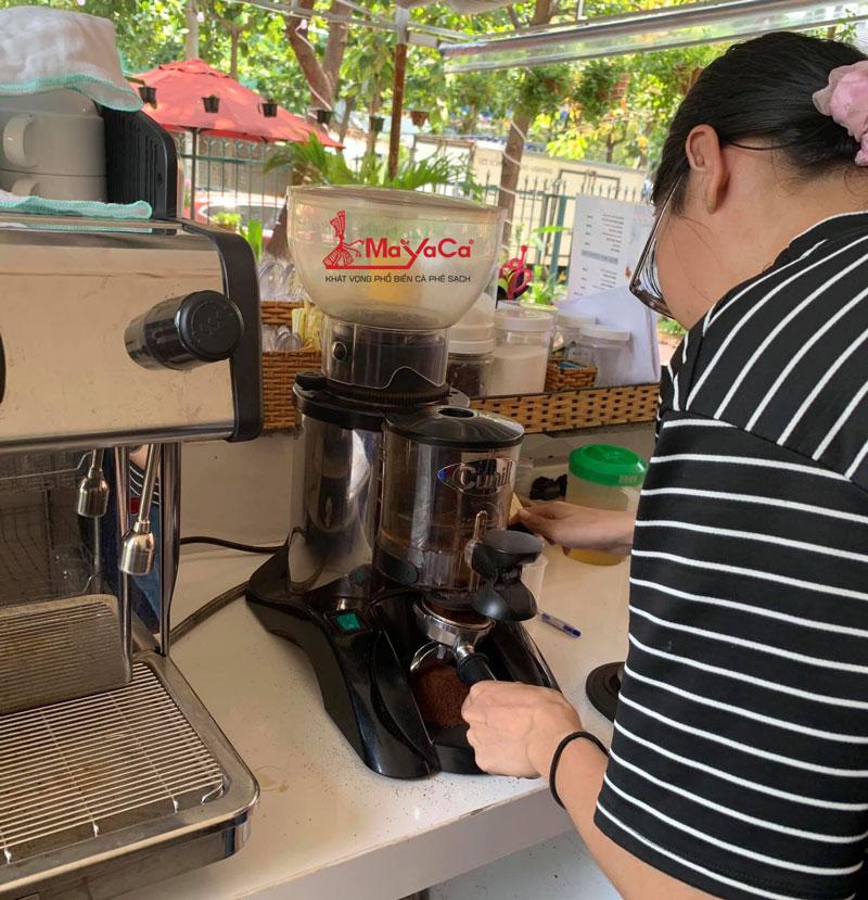hinh-anh-sua-chua-may-cafe-casadio-expobar-wega-mayacacoffee-4