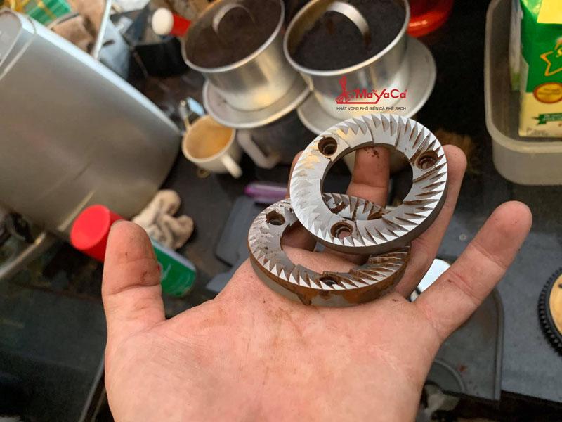 hinh-anh-thay-phu-kien-may-xay-casadio-va-may-xay-n900-mayacacoffee-2