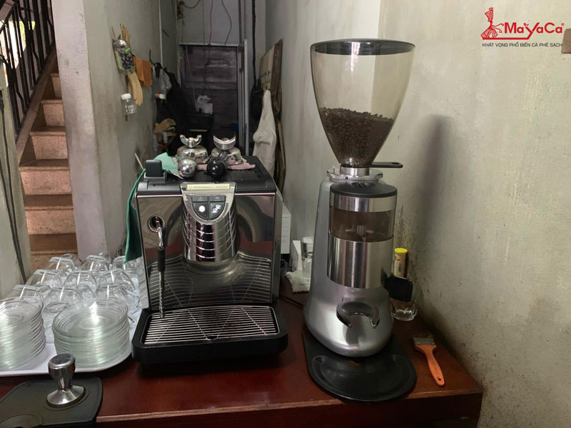 thay-luoi-dao-may-xay-casadio-va-thay-lo-xo-may-xay-n900-mayacacoffee-1