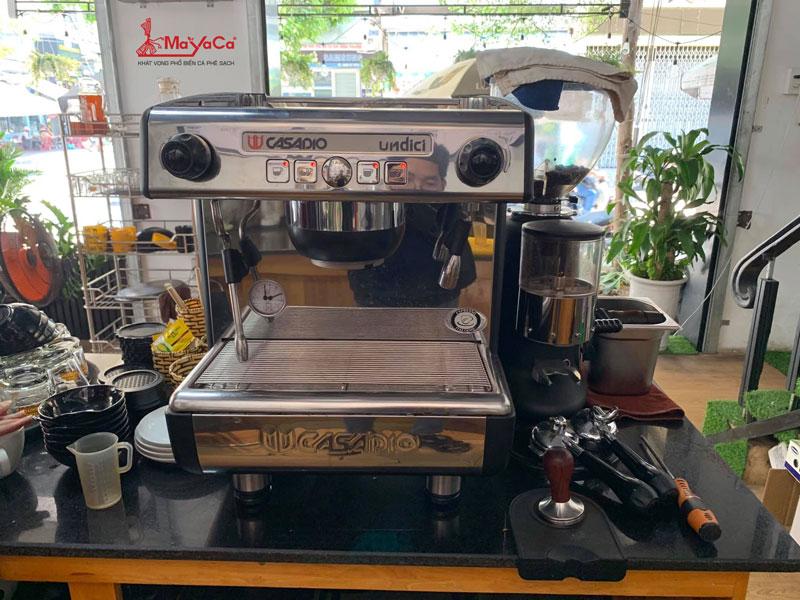 thay-van-ap-suat-may-cafe-casadio-undici-a1-mayacacoffee-1